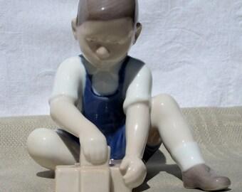 Vintage Bing and Grondahl, B&G Porcelain Figurine - The Little Builder #2306