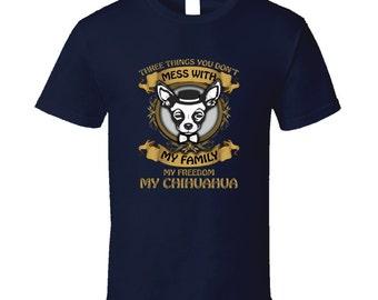 Chihuahua t-shirt. Chihuahua tshirt for him or her. Chihuahua tee as a Chihuahua gift idea. A great Chihuahua gift with Chihuahua t shirt