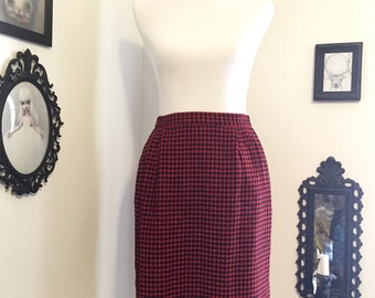 Timeless Red Houndstooth Skirt by Liz Claiborne Size 10