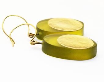Brass Disc Earrings, Olive Green Resin Earrings, Modern Earrings, Brass Jewelry, Handmade Jewelry, Minimalist Jewelry, Large Earrings