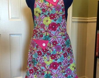 Retro teal, pink flirty apron. Reversible. Full apron is washable.
