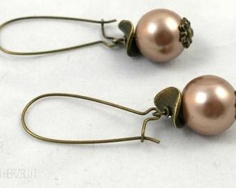 Earrings / earrings with 14 mm shell Pearl bronze