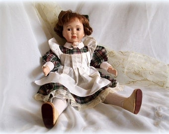 Vintage Doll,Collectable Porcelain Doll,European Doll