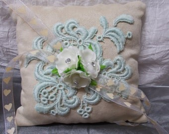 """Ring cushions in suede look """"Wild Love"""""""