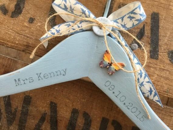 Custom Wedding Hanger // Decorative Wedding Hanger // Custom Mr & Mrs Hanger // His and Hers Hangers / Wedding Name Date Hanger