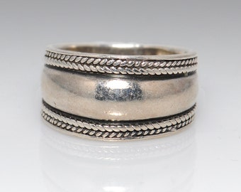 Vintage Sterling Silver Southwestern Style Ring - Size 9