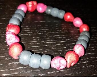 Magnesite Skull and Stone bead bracelet