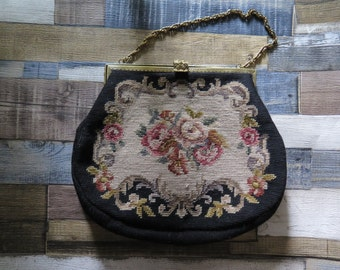 Large elegant tapestry bag with noble metal clasp