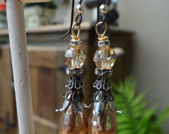 Cocoa Brown Dimpled Teardrop Czech Glass Baroque Pearl Earrings – ERU069
