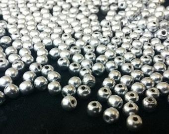 50 Matte Silver - 4mm Druk, Czech Round Glass Beads, 0170