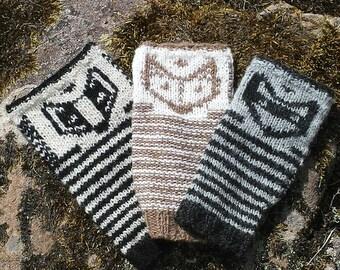 Foxy Friends Wristers a  PDF Knitting Pattern by Theresa Shingler