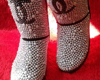 Women's Classic Black Snow boot. Pearls. Winter boots.