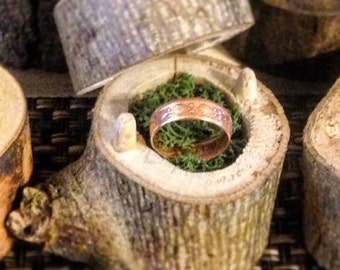 Mini Tree stump ring holder