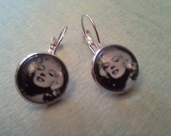 Marilyn Monroe Inspired Earring Set