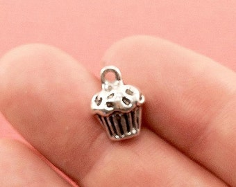 Cup Cake Charm. 4 pcs Antique Silver Tone Cup Cake Charm 13x10mm. Chef Charm. Baking Food Charm. Creative Jewelry Findings. - (4 - 0012H)
