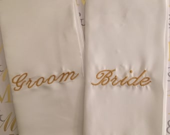 Personalized Linen napkins.*SALE Perfect for weddings, birthday parties, events, or any gathering! Embroidered in your choice of color/font.