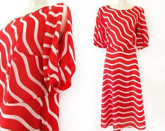Plus size vintage dress in red and white stripes, candy stripes, candy cane, size EU 46 / UK 18 / US 16