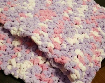 Chunky Baby Blanket - great for  Newborns and Baby Shower gift.