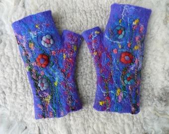 polswarmes wool felt felt wool wristwarmers
