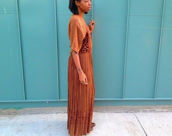 Vintage. Modest. dress.