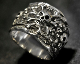 Pirate Skull Ring, Silver Pirate Ring,silver skull ring,skull and crossbones ring,