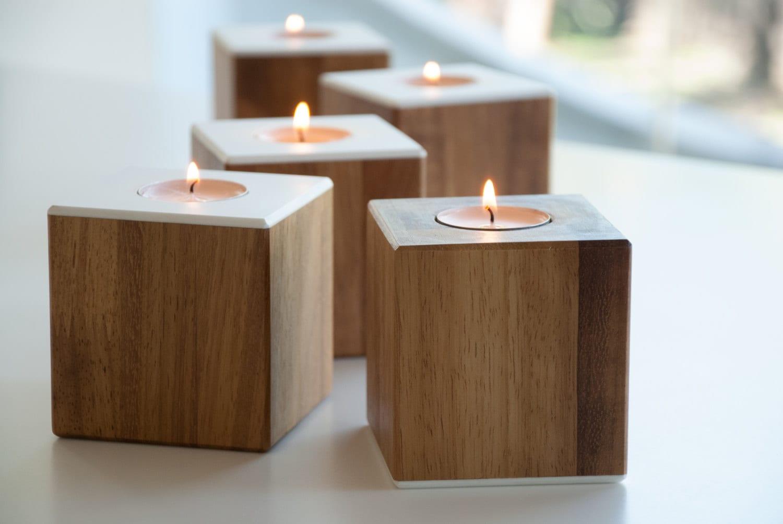 Portacandela moderno in legno oggettistica regali per la for Oggettistica per la casa moderna