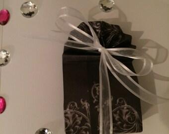 Elegant Gift Bags!