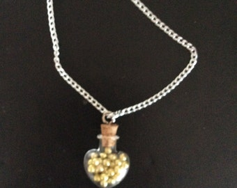 Necklace with heart with sweet gold