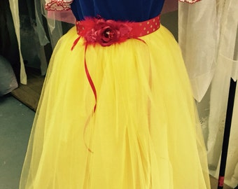 Snow White costume dress 12m to size 8