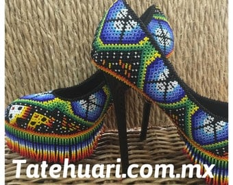 Slippers lined with beadwork, huichol art