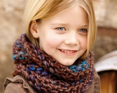 Col to child, knitted hand, wool and acrylic, snood for girl or boy, winter accessory, collar, scarf, also woman or man