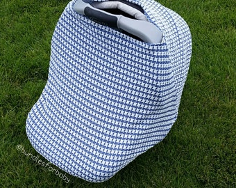CLEARANCE / Blue and White Stretch carseat canopy cover / nursing cover