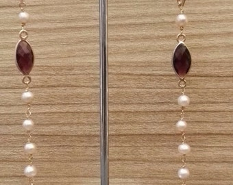Earrings with shells and pearls