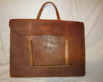 A Vintage Leather Messenger Bag circa 1940/50s - in good used condition.