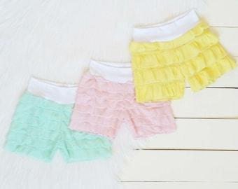 Baby ruffle shorts