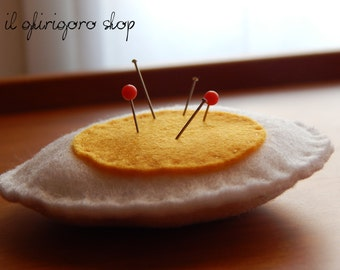 Omelette in felt Pincushion
