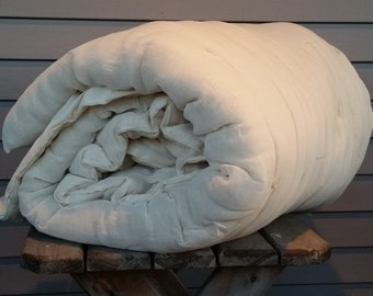 Queen Size Wool Comforter Batt with Cheesecloth Lining and Ties. Virgin Wool.