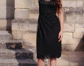Vintage Black Lace dress / handmade / 60s / chic and glamorous / size 36