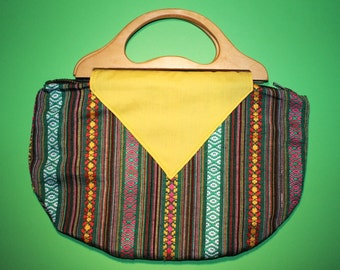 Handbag with wooden handle