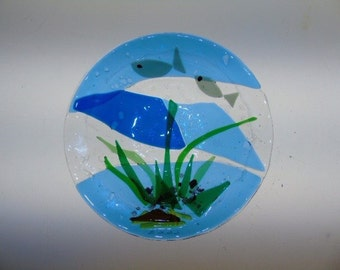Glass fused bowl with fish design 9inch diameter