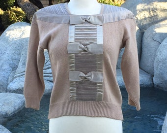 "Vintage Beige Pullover Sweater ""Bonnie and Bill by Holly""// Satin bows and ribbon"