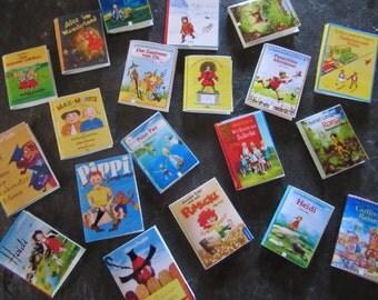 20 children's books - Dollhouse miniature