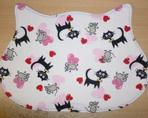 Doily / placemat for cat bowls in cat head-shapped Model Cats and mouses