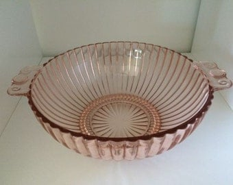 Handled Bowl in Ahc-37 Pink by Anchor Hocking