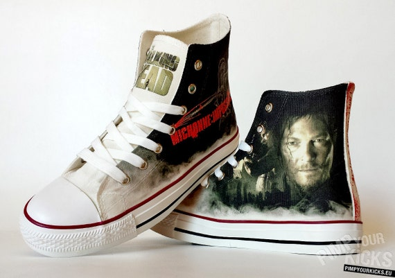 b5b02df4c65321 The Walking Dead inspired custom shoe decoration with Daryl and Michonne