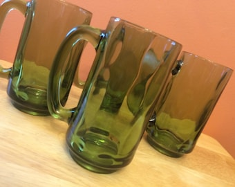 Vintage Green Mugs Set of Four Oval Pattern In Glass