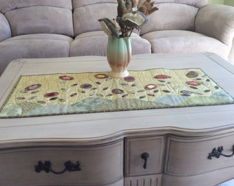 Field Of Flowers Wool Applique Table Runner (Pattern Only)