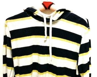 Men's vintage medium Unionbay long sleeve hooded t-shirt.