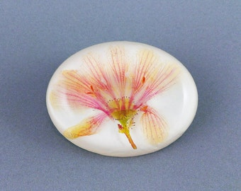 Flower brooch delicate flower