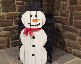Snowman Pallet Decoration Winter Holiday Rustic Decoration for your home Cute Snowmen made from reclaimed pallet wood